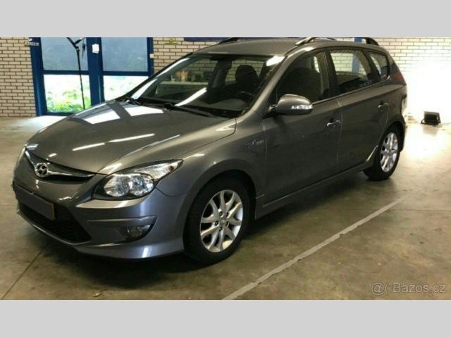 Hyundai i30 1.6 CRDi, COMFORT, VÝB.STAV !!